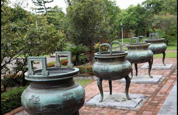 Cuu Dinh - Las 9 Urnas Dinásticas
