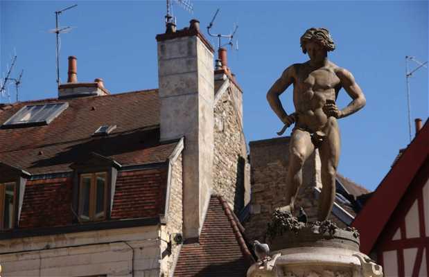 Statue du Bareuzai