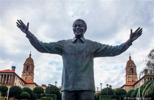 Estátua de Nelson Mandela
