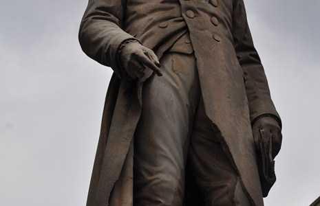 Statue of Luigi Lagrange
