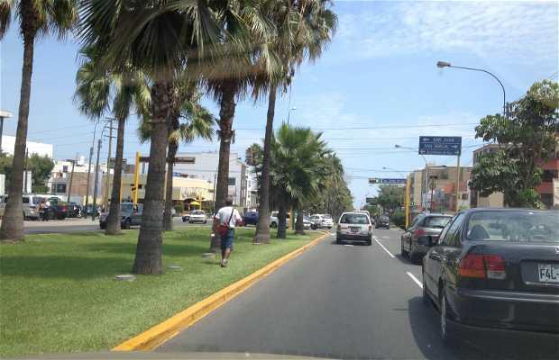 Avenida Velasco astete