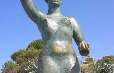 Monument à la femme marine