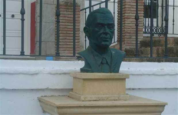 Julio Mariscal Bust