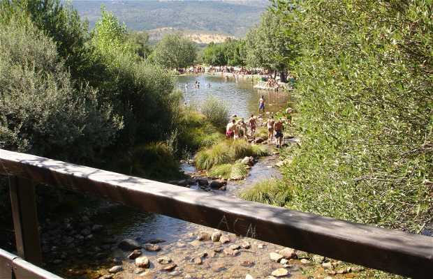 Piscinas naturales las presillas en rascafr a 13 for Las presillas piscinas naturales