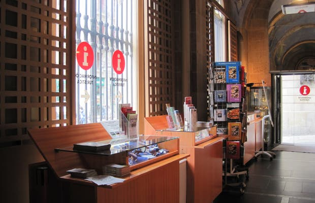 Office de tourisme place saint jaume barcelone 2 exp riences et 12 photos - Office du tourisme barcelone ...