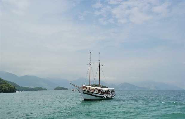 Passeio de barco na Ilha Grande