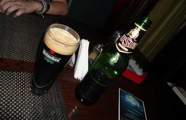 Green Saloon Pub & Grill