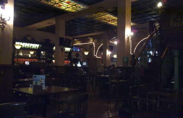 Cervecería Kennedy Café Bar