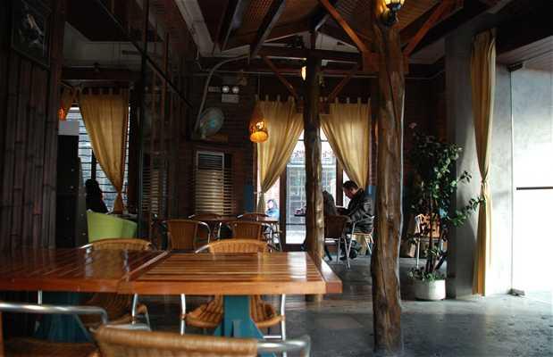 Moganshan Lu Café