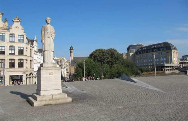 Isabel of Belgium monument