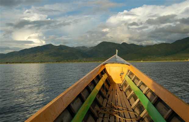 Barcas motoras Lago Inle