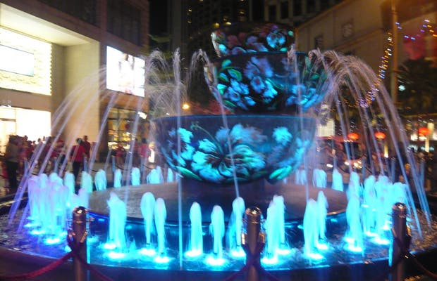 Pavilion crystal fountain
