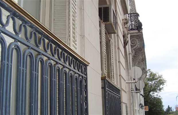 Ex Edificio Uranga
