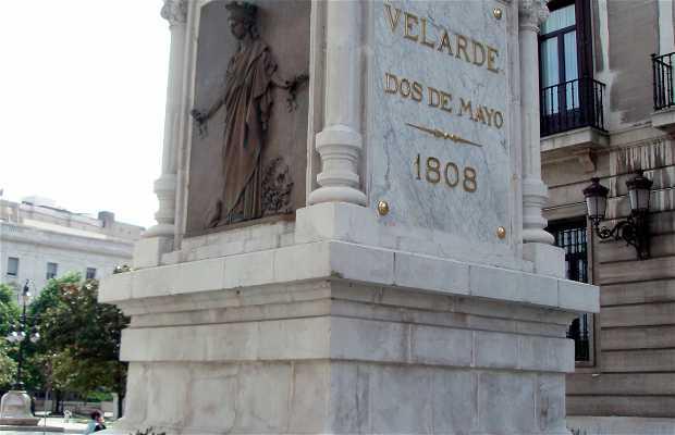 Estatua de Pedro Velarde