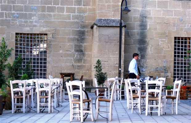 Cafe-Pub Araf