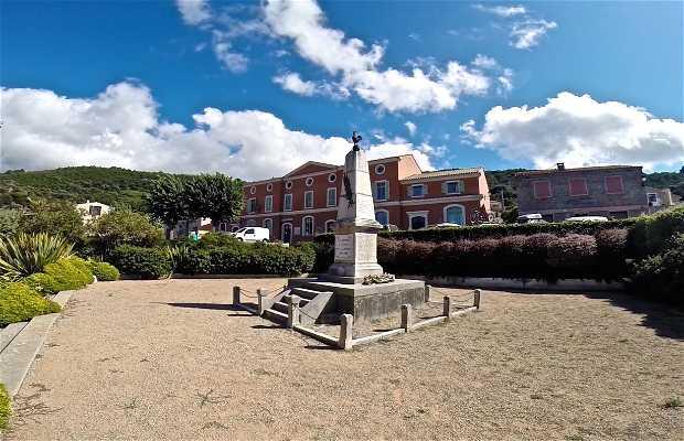 Plaza Monumento a los Caídos de Piana