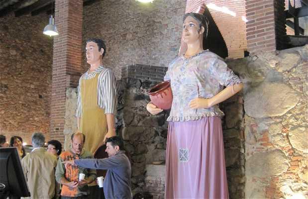 Oficina de turismo de breda en breda 2 opiniones y 10 fotos for Oficina de turismo girona
