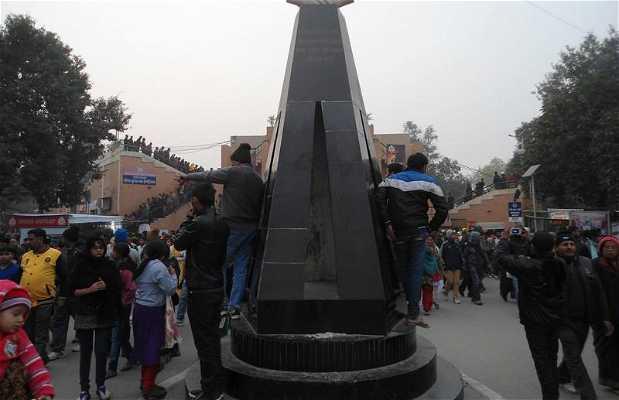 Le monument aux dix morts de 1947