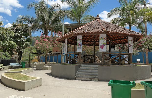 Praça Alberto do Carmo