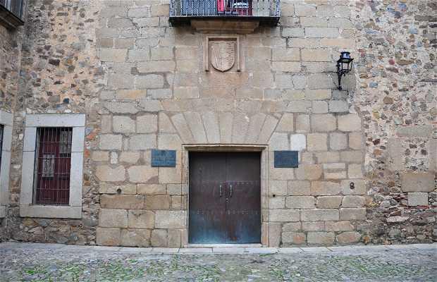 Casa de los Toledo-Moctezuma