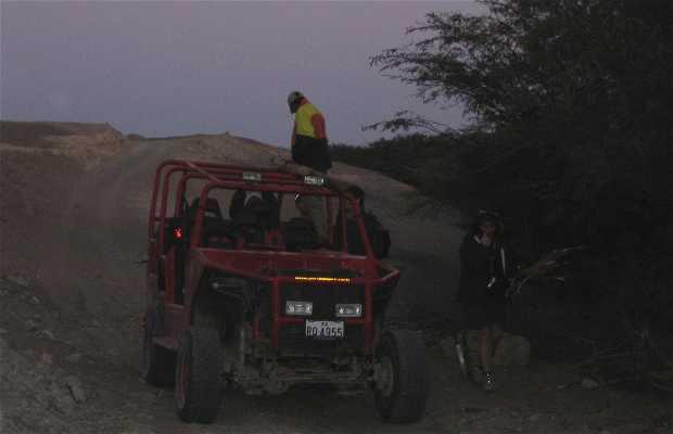 En buggy por el desierto de Huaracanga