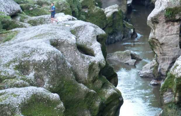 Cavernas de Licamancha y Cañon de Mandiyaco