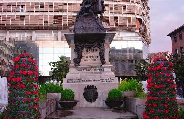 Isabel La Católica square