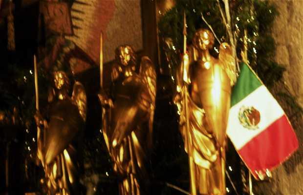 Altar de la Virgen de Guadalupe en Notre-Dame