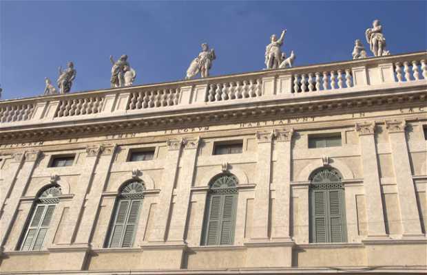 Palacio Canossa