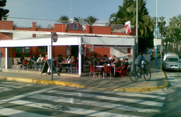 Restaurante Sol y Mar, Café - Bar