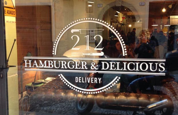 212 Hamburger & Delicious