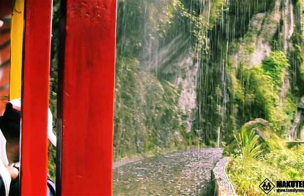 Paseo en Chiva por Baños de Agua Santa