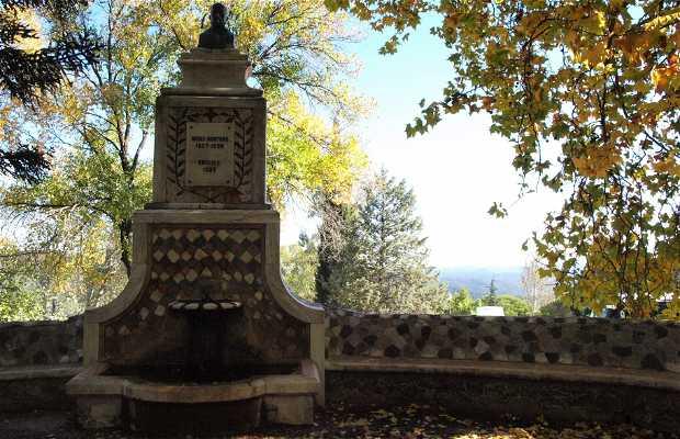 Monumento a Benito Arias Montano