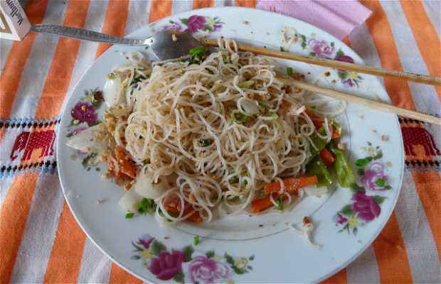 Mama Tan Orm, Restaurante y Guesthouse