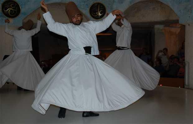 Derviches en el Centro Cultural Mevlana