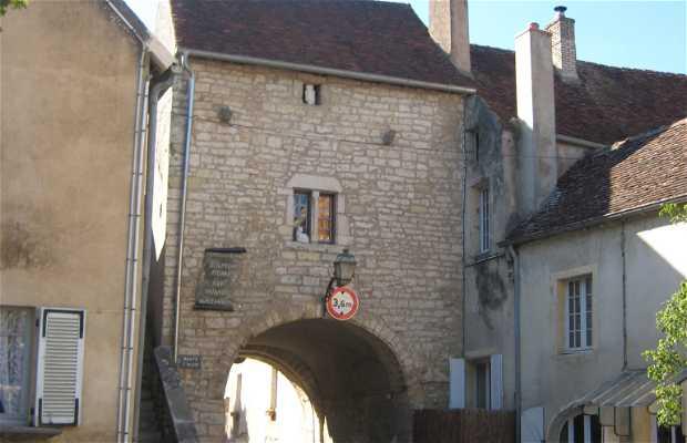 Saint-Hilaire Door