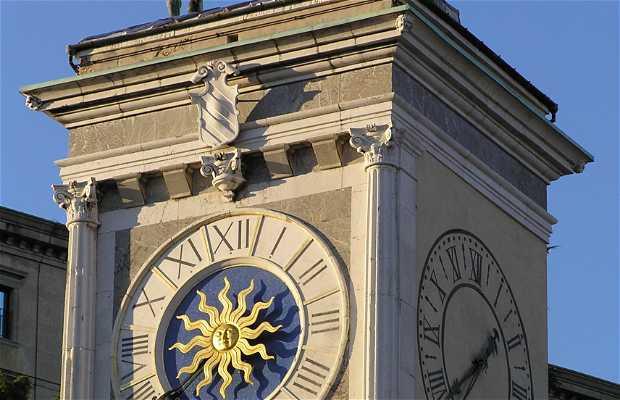 Los dos moros de la Torre del Reloj