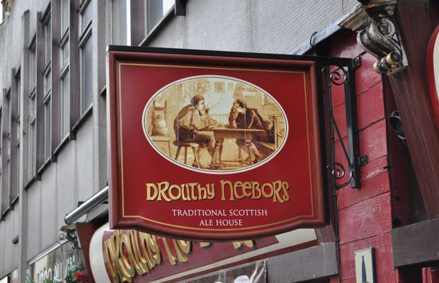 Pub Droughty Neebors