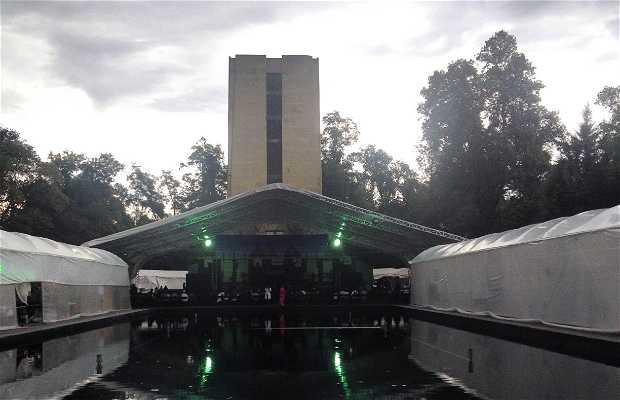 Monumento a Álvaro Obregón (Parque La Bombilla)