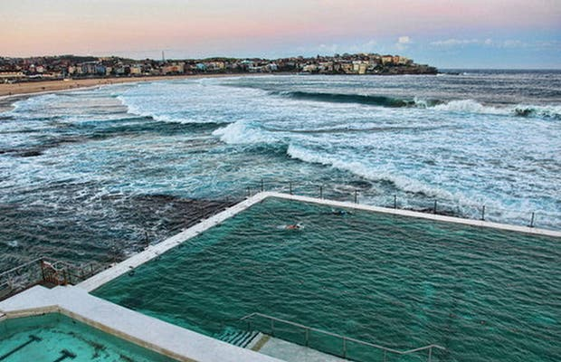 4 Photos Of Icebergs Dining Room And Bar