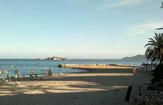Spiaggia Figueretas