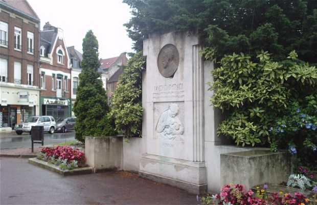 Monument à Edmont Garin