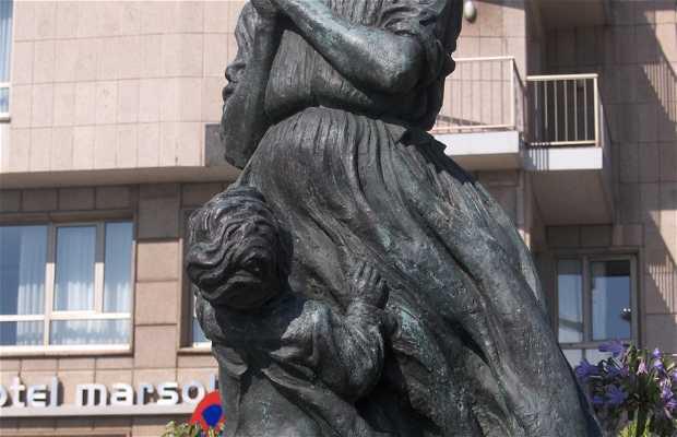 """Escultura a """" La Marinera """""""