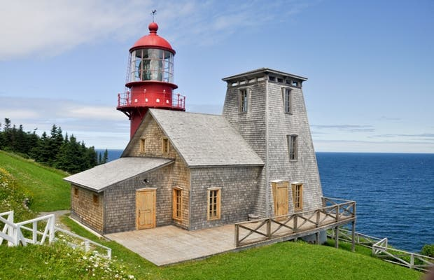 Phare Point-a-la-Renommee