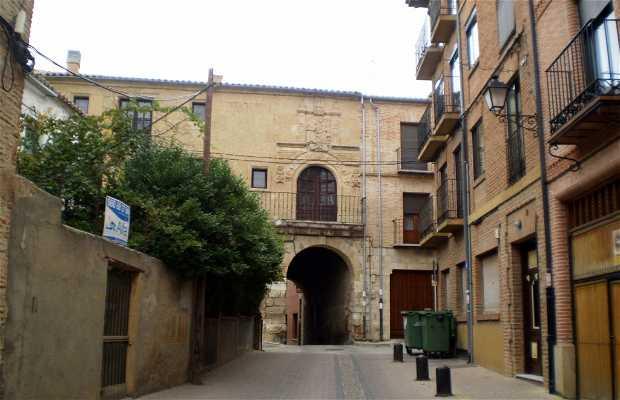 Arco del Postigo e Archivio Municipale a Toro