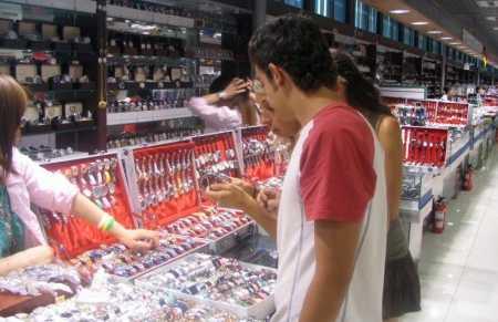 Imitaciones en El Mercado de la Seda de Pekin