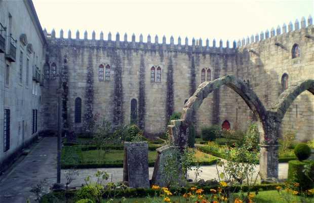 Muraille et Palais Episcopal