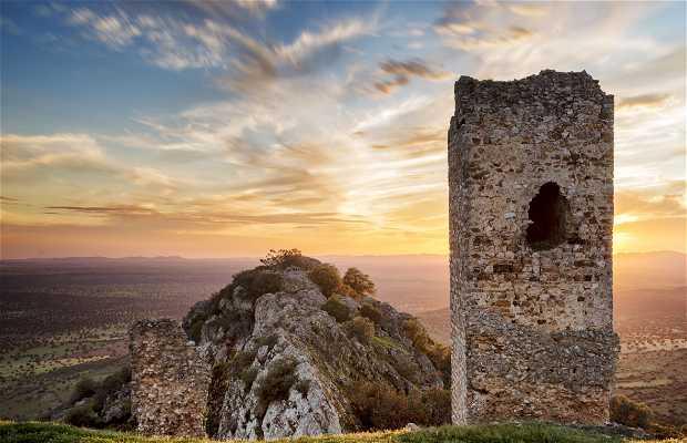 Castillo de Miramontes - Castillo de Azuaga