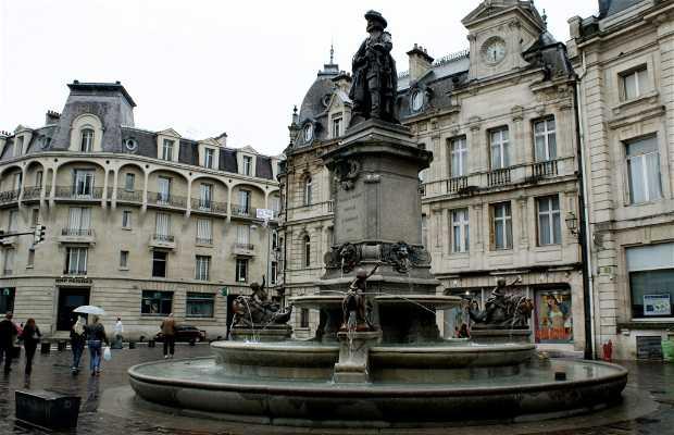 Escultura Charles de Gonzague