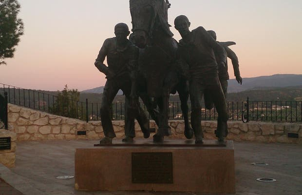 La statue des caballos de Caravaca de la Cruz